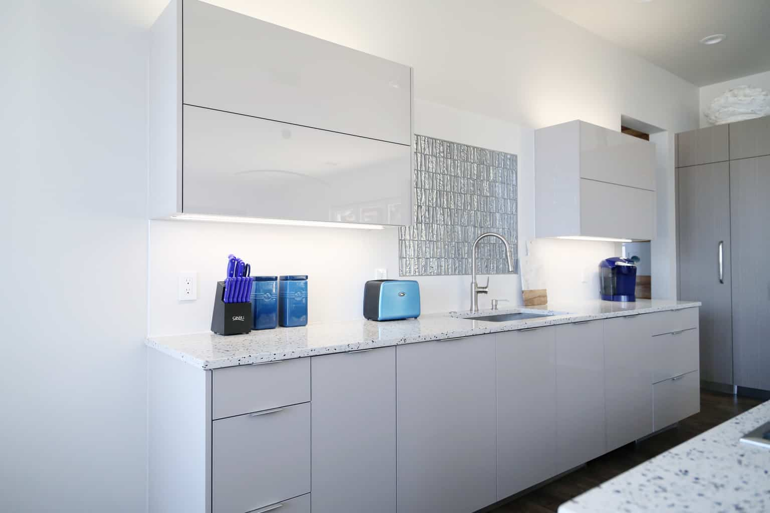 cabinet kitchen size light lighting cabinets lights full under of countertops